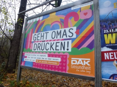 Herbst 2019, Ort: Plakat-Großwand Innere Kanalstraße, Nähe Gleisdreieck und Großbordell PASCHA. Zielgruppe: Autofahrer